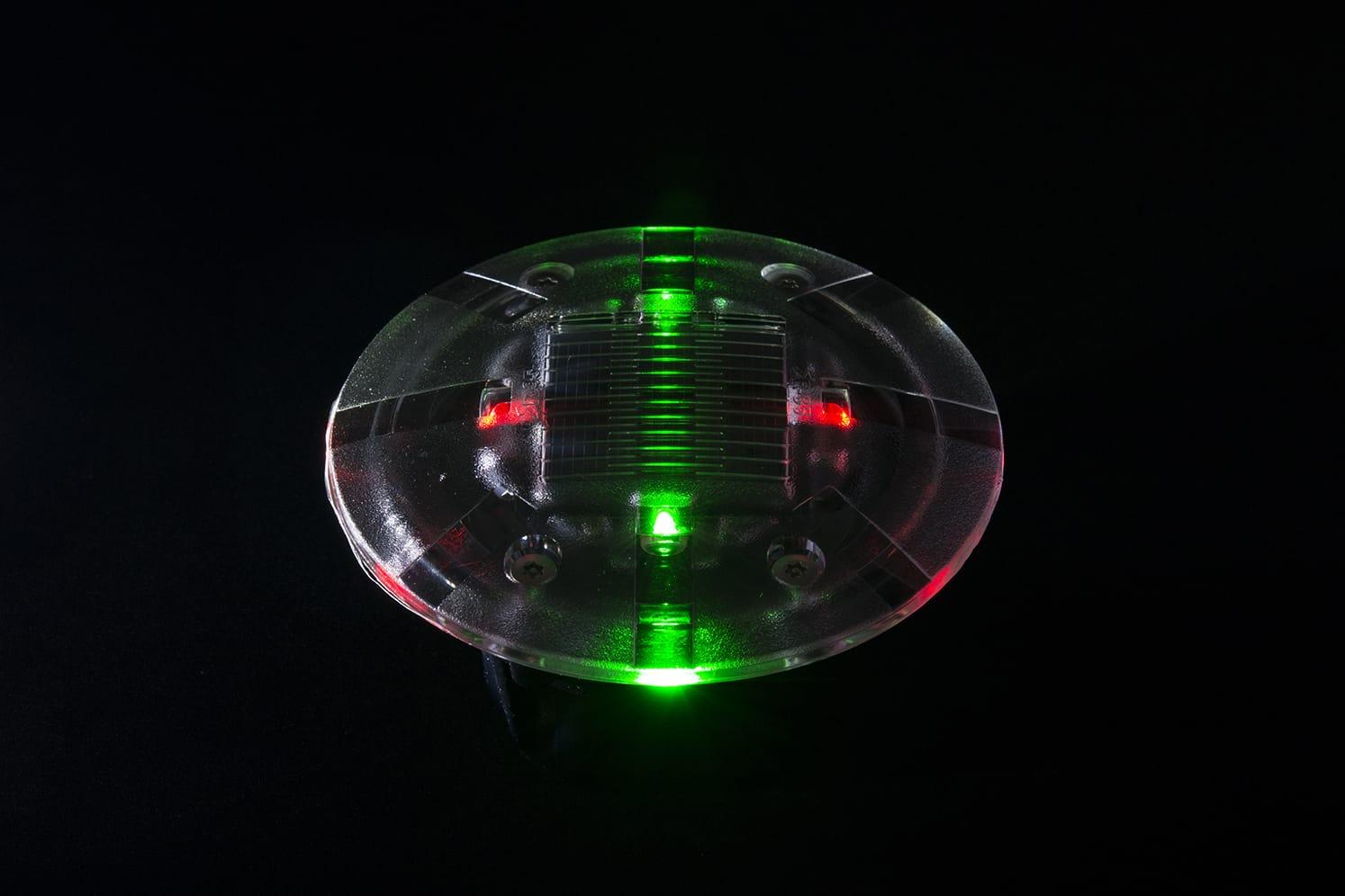 Plot LED solaire pietons velos ECO-35 vert/rouge
