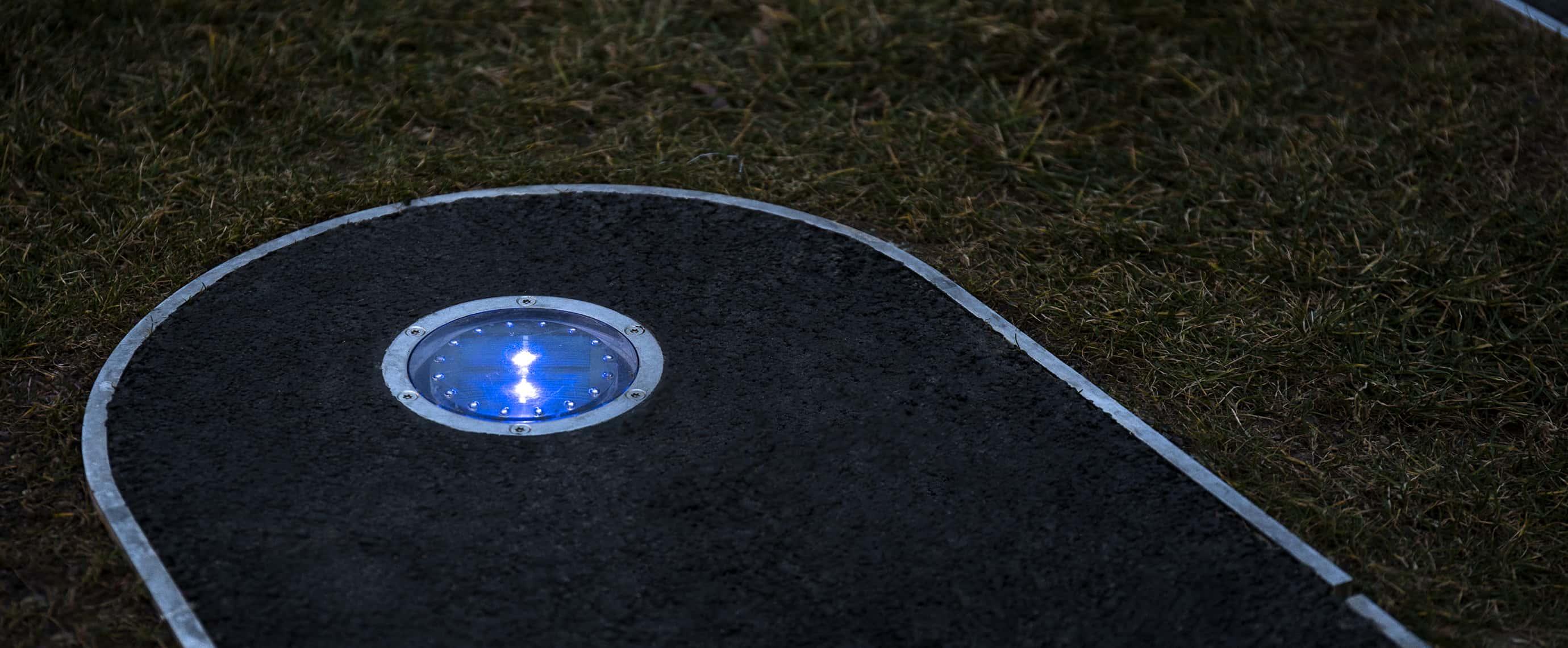 Balisage LED solaire dans un jardin public ECO-120 Eco-Innov