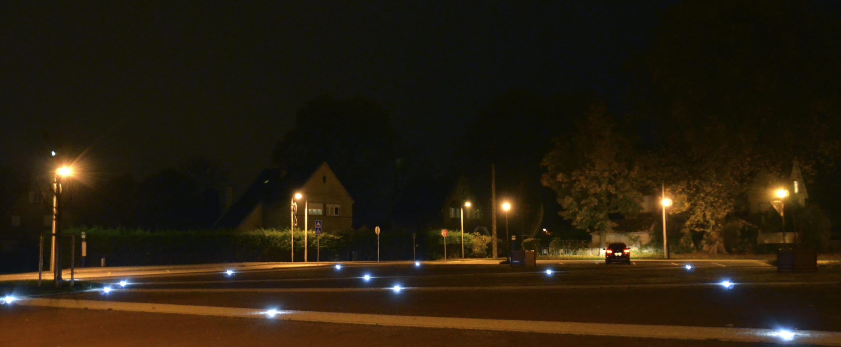 Plot lumineux place publique avec le plot routier ECO-870 Eco-Innov