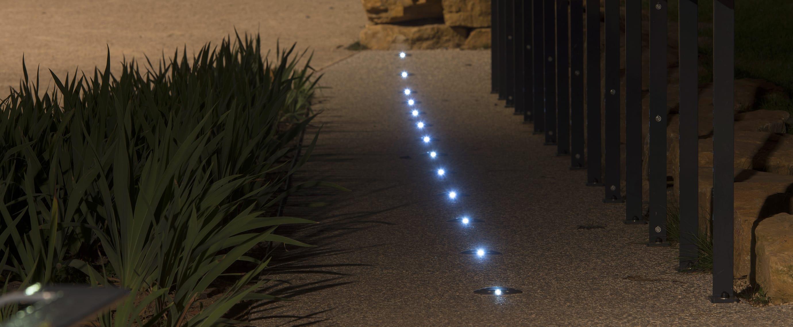 Plot solaire piéton sur promenade balisage LED ECO-143 Eco-Innov