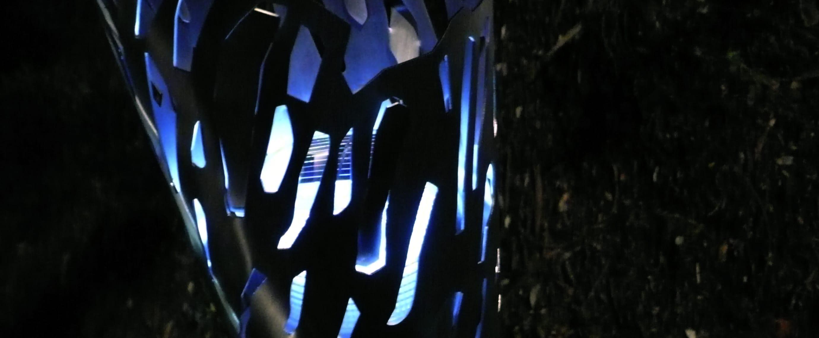 Promenade piétonne sculpture solaire avec ECO-MAR Eco-Innov