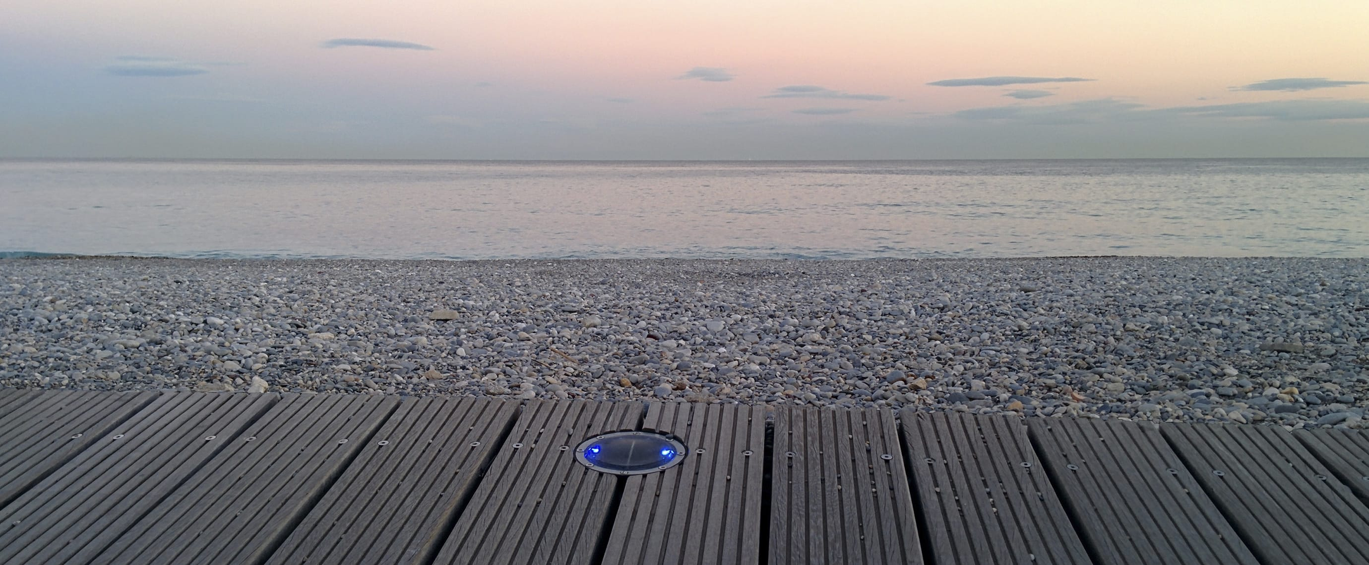 Promenade mer balisage LED plot solaire ECO-128 Eco-Innov