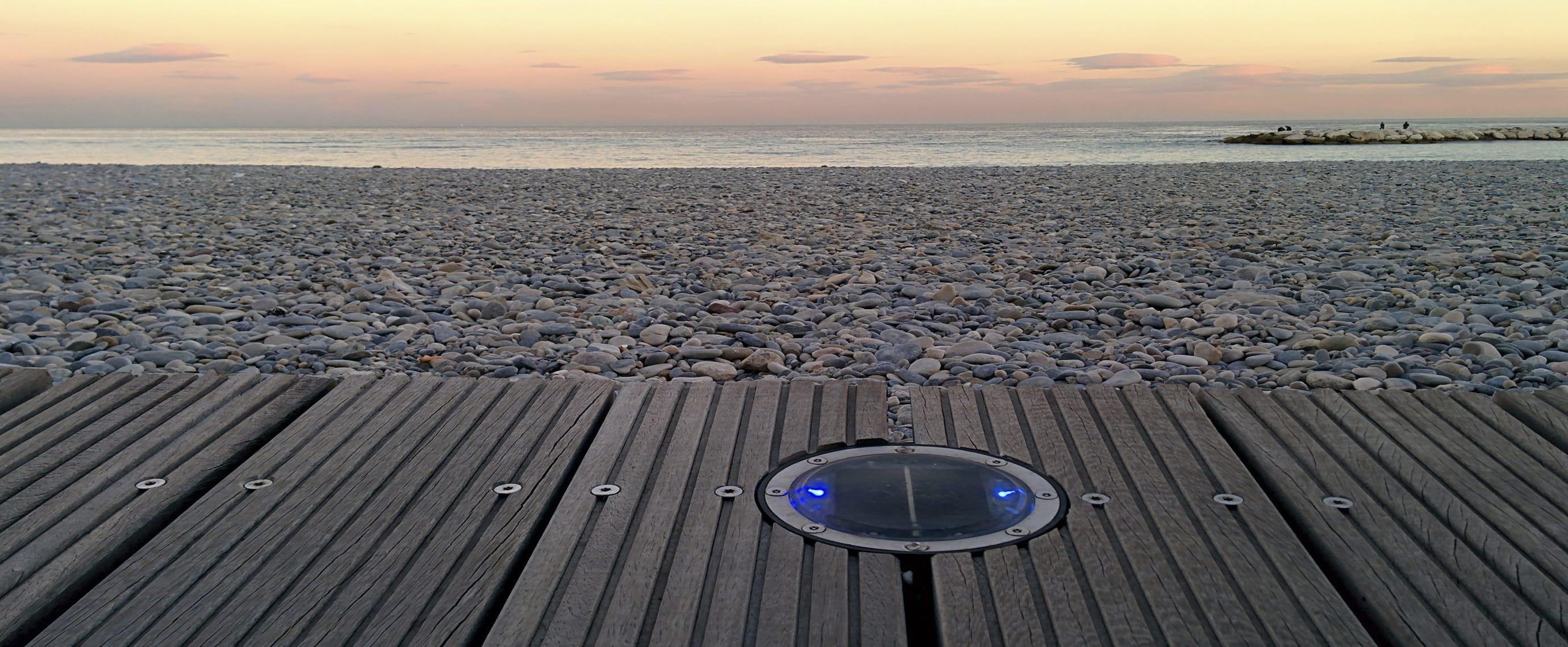 Balisage de promenade en bord de mer