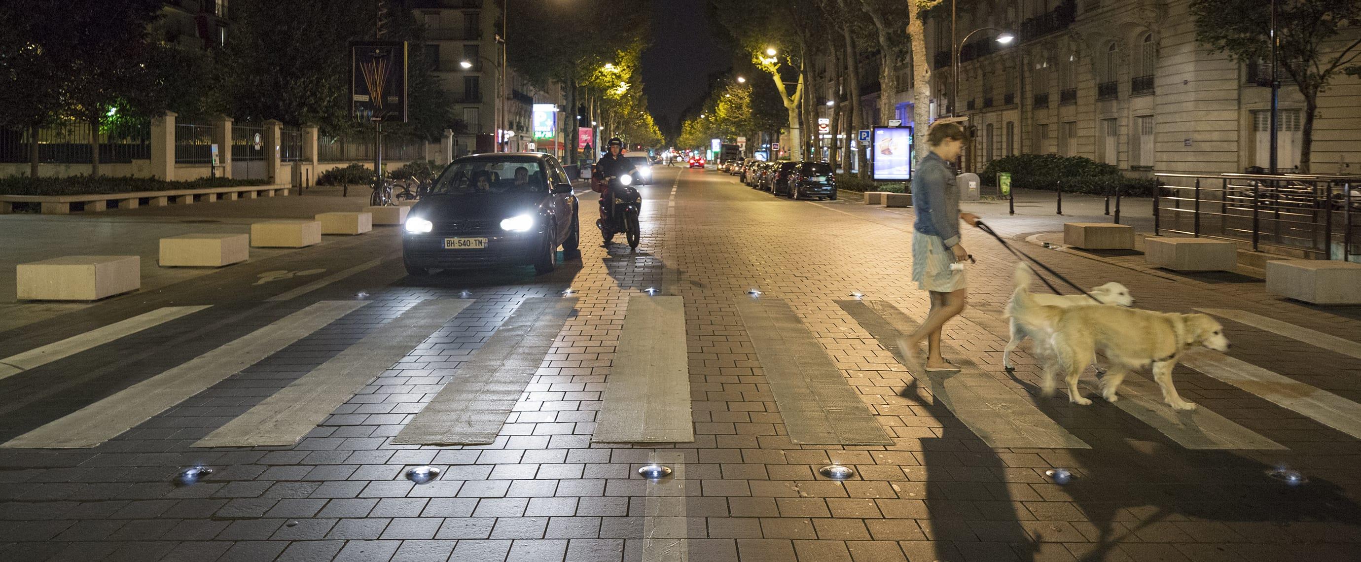 Passage piéton LED avec plot routier solaire ECO-143 Eco-Innov