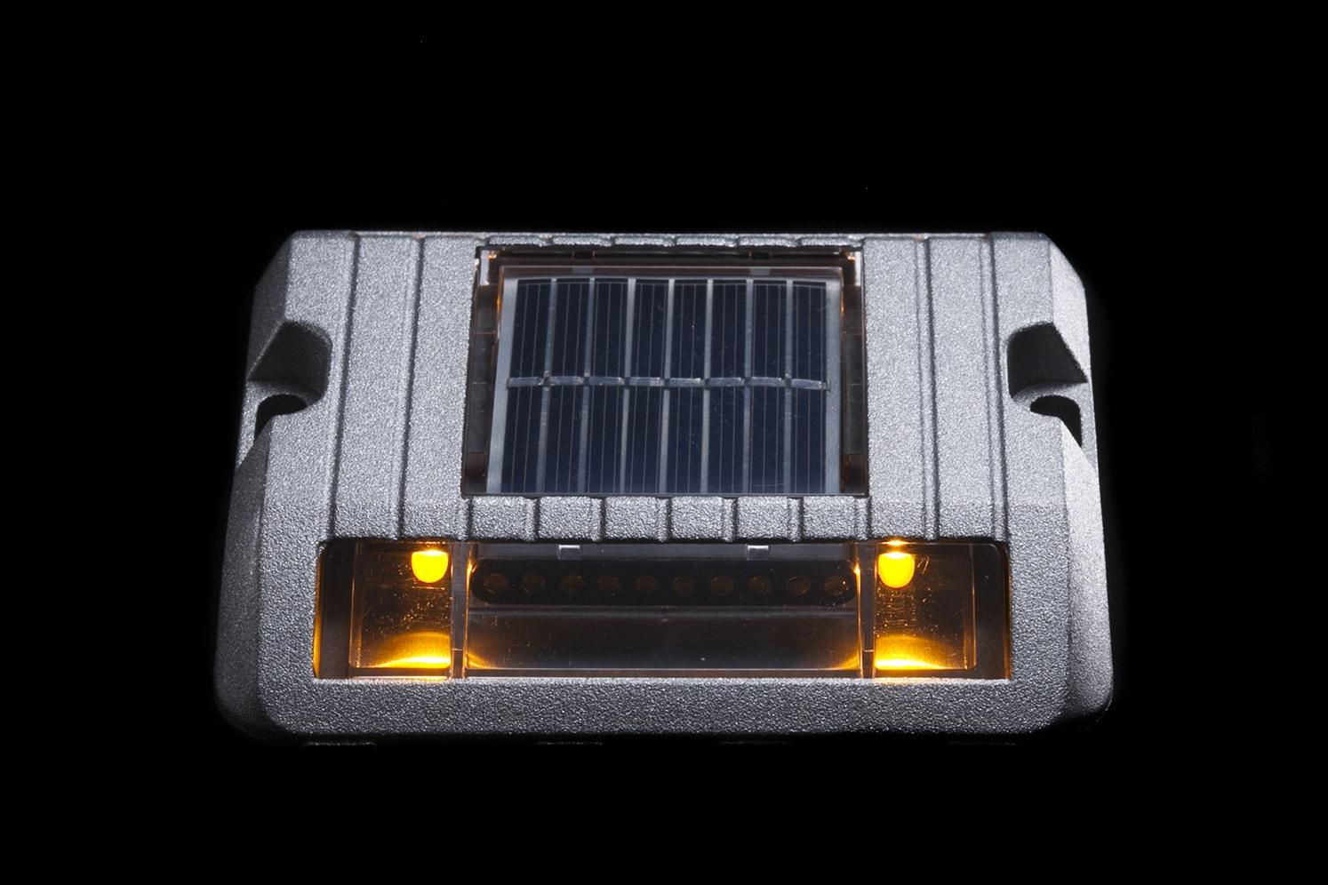 Balise solaire de sécurité pour bordure, îlot, giratoire ECO-118 ambre