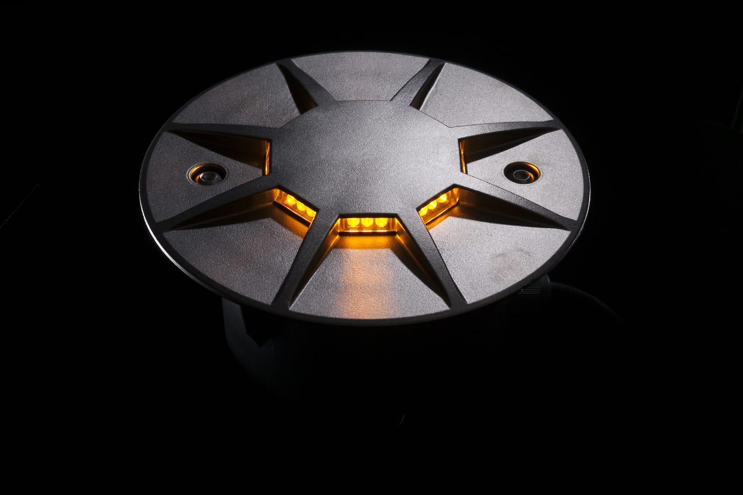 Plot routier LED 360º pour giratoire, parking, voirie ECO-870 ambre
