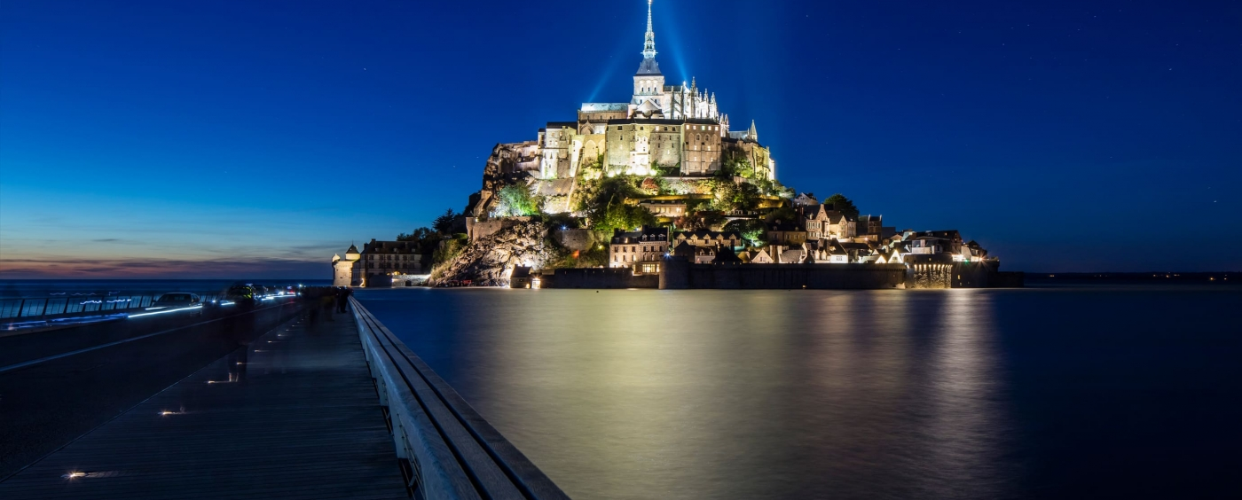Eco-845-Eco-Innov-Mont-Saint-Michel-Bridge-LED-Marking