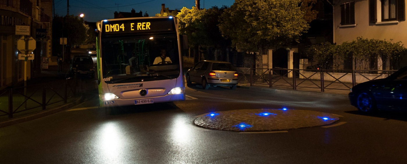 Eco-870-Eco-Innov-Mini-Roundabout-LED-Marking