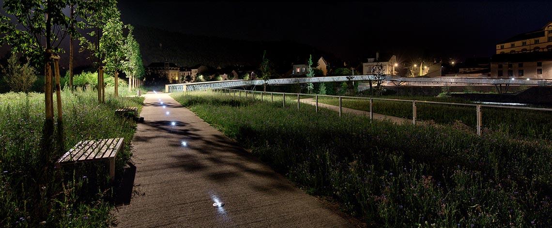 Signalisation piste cyclable avec balise solaire ECO-143